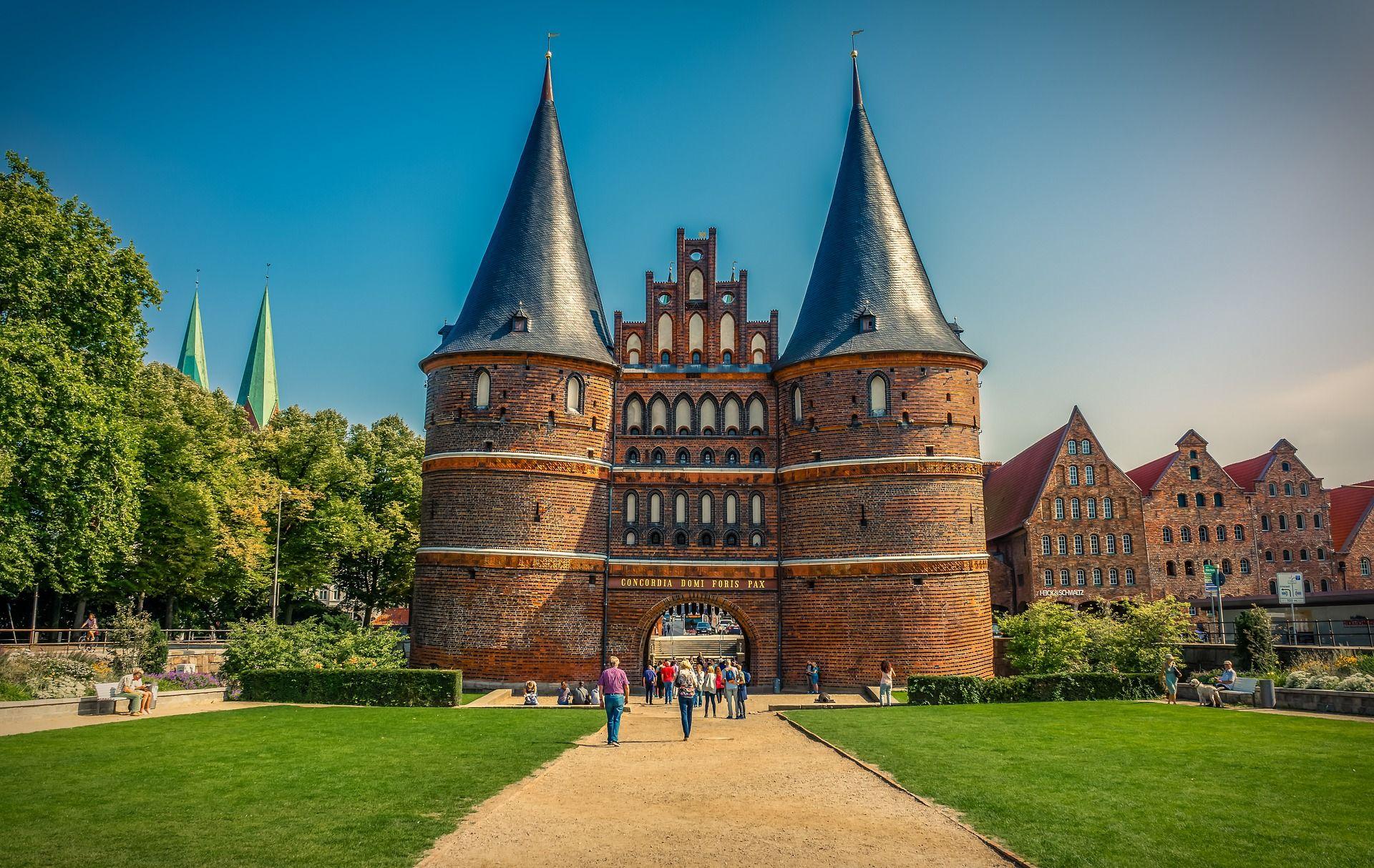Wartung von Rettungswesten in Lübeck